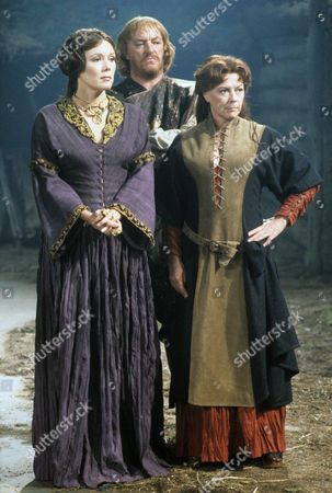Diana Rigg as Regan and Dorothy Tutin as Goneril, the Kings treacherous daughters with Jeremy Kemp as the Duke of Cornwall