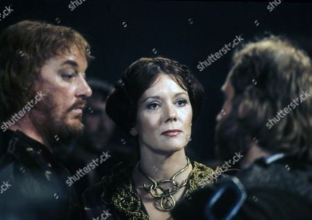 Jeremy Kemp as the Duke of Cornwall and his wife Diana Rigg as Regan, one of the Kings treacherous daughters