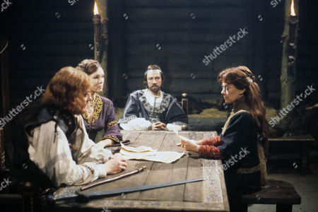 Diana Rigg as Regan and Dorothy Tutin as Goneril, the Kings treacherous daughters with Jeremy Kemp as the Duke of Cornwall and Robert Lindsay as Edmund