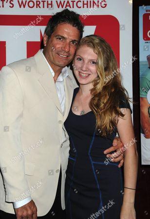 Mario Singer, Avery Singer