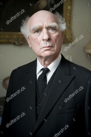 Ken Campbell as Mr Crump.