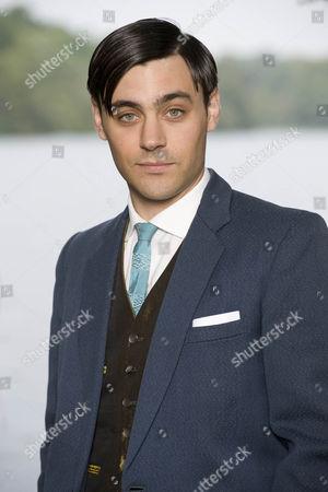 Liam Garrigan (Stephen Restarick)
