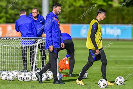 Holland assistant trainer Ruud van Nistelrooy, Steven Berghuis during a training session of the Dutch national team at the KNVB Campus on May 24, 2021 in Zeist, The Netherlands. The Dutch national team is preparing for the UEFA EURO 2020 in Zeist.