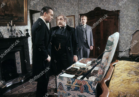Series 2 Episode 4 - The Resident Patient Jeremy Brett as Sherlock Holmes, Patrick Newell as Blessington and David Burke as Dr Watson