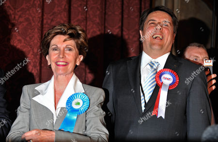 European Parliamentary Election Count North West Region At Manchester Town Hall - Bnp Party Leader Nick Griffin Next To Conservative Candidate Jacqueline Foster  7/6/09
