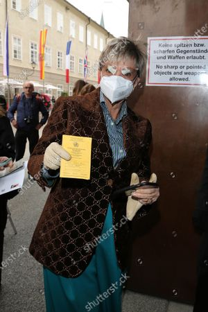 Stock Photo of Gloria von Thurn und Taxis with vaccination card