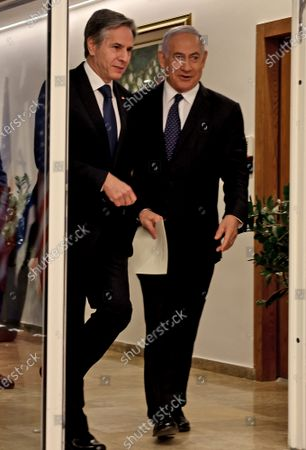 Israeli Prime Minister Benjamin Netanyahu (R) and U.S. Secretary of State Tony Blinken arrives for a joint press conference in Jerusalem on May 25, 2021, days after an Egypt-brokered truce halted fighting between the Jewish state and the Gaza Strip's rulers Hamas.