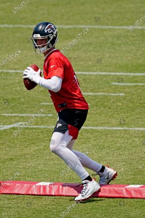 Atlanta Falcons quarterback Matt Ryan (2) runs a drill during an OTA football practice, in Flowery Branch, Ga