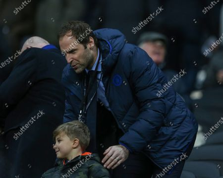 Former Chelsea goal kepper Petr Cech with a young fan    during the Premier League match between Newcastle United and Chelsea at St. James's Park, Newcastle on Saturday 18th January 2020.