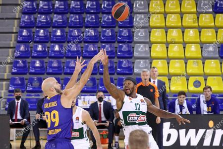 Marcus Foster and Nick Calathes during the match between FC Barcelona and Panathinaikos BC, corresponding to the week 4 of the Euroleague, played at the Palau Blaugrana, on 15th October 2020, in Barcelona, Spain.  --