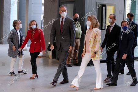 Spain's King Felipe VI (C) arrives accompanied by Spanish Economy Minister, Nadia Calvino (2L); President of Cotec Foundation, Cristina Garmendia (3R); Science and Innovation Minister, Pedro Duque (2R), and Madrid's Mayor, Jose Luis Martinez Almeida (R), to attend the launching of 2021 Annual Report by COTEC Foundation in Madrid, Spain, 26 May 2021. The report compiles analysis and data of the evolution of Research Development and Innovation (R+D+I) in Spain and offers proposals to make the innovation will be the economic and social growth driver in the country.