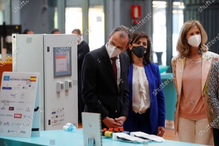 President of Cotec Foundation, Cristina Garmendia (R); and Science and Innovation Minister, Pedro Duque (L), attend the launching of 2021 Annual Report by COTEC Foundation in Madrid, Spain, 26 May 2021. The report compiles analysis and data of the evolution of Research Development and Innovation (R+D+I) in Spain and offers proposals to make the innovation will be the economic and social growth driver in the country.