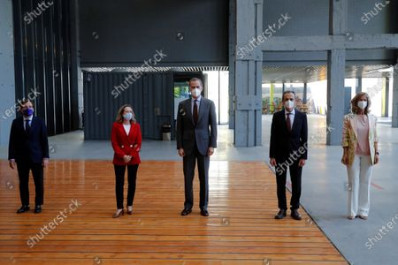 Spain's King Felipe VI (C) poses for a family photo next to (L-R) Madrid's Mayor, Jose Luis Martinez Almeida, Spanish Economy Minister, Nadia Calvino (2L); Science and Innovation Minister, Pedro Duque, and President of Cotec Foundation, Cristina Garmendia, as the monarch attends the launching of 2021 Annual Report by COTEC Foundation in Madrid, Spain, 26 May 2021. The report compiles analysis and data of the evolution of Research Development and Innovation (R+D+I) in Spain and offers proposals to make the innovation will be the economic and social growth driver in the country.