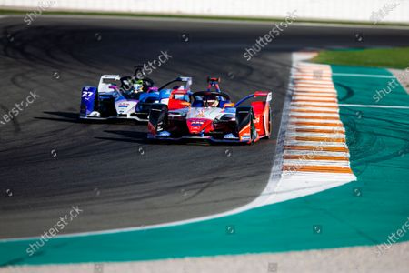 64 D'AMBROSIO Jerome (bel), Mahindra Racing, action and 27 SIMS Alexander (gbr), BMW i Andretti Motorsport, action during the ABB Formula E Championshop official pre-season test of season six at Circuit Ricardo Tormo in Valencia on October 15, 16, 17 and 18 of 2019 of 2019, Spain.