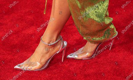 Nikki Glaser, shoe detail