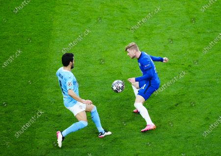 Timo Werner of Chelsea and Ilkay Gundogan of Manchester City
