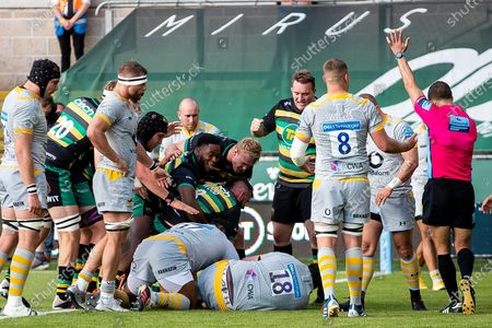 TRY for Tom Wood of Northampton Saints during the Gallagher Premiership Rugby match between Northampton Saints and Wasps at Franklins Gardens, Northampton
