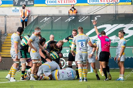 TRY Tom Wood of Northampton Saints scores during the Gallagher Premiership Rugby match between Northampton Saints and Wasps at Franklins Gardens, Northampton