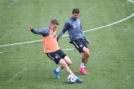 Matthias Ginter (Germany), left - Thomas Müller (Germany), right