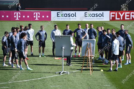 Speech Joachim Jogi Löw (national trainer, trainer Germany) with tactical board