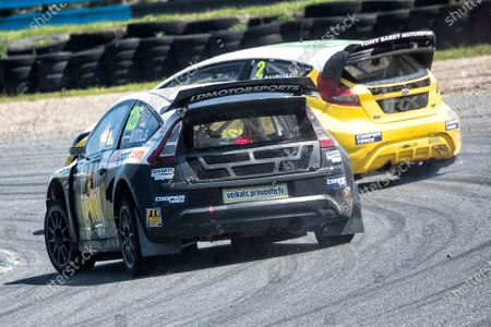 Robert Vitols, Citreon C4, BRX Supercars pursues Ollie O'Donovan, Ford Fiesta, BRX Supercars into Devils Elbow during the 5 Nations BRX Championship at Lydden Hill Race Circuit on 31st May 2021
