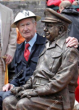 Bill Pertwee and Captain Mainwaring statue