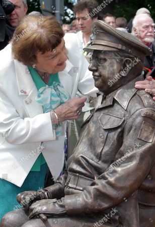 Pamela Cundell and Captain Mainwaring statue