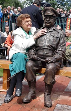 Stock Image of Pamela Cundell and Captain Mainwaring statue