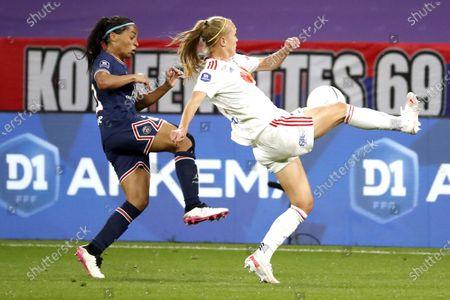 Janice Cayman /Olympique Lyonnais fight against Perle Morroni /PSG