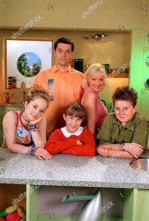 Mel (Danielle McCormack), Brian (Tony Gardner), Lucy (Charlotte Francis), Sophie (Barbara Durkin) and Josh (Alex Kew)