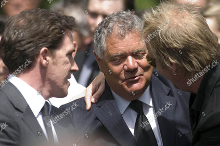 Max Boyce the entertainer is comforted by comedian Rob Brydon and actor Rhys Ifans