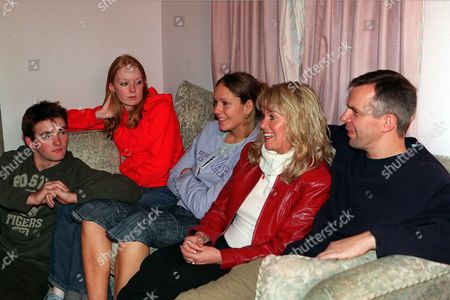 Picture Shows: Jason Hain, Elspeth Brodie, Ruth Abram, Dee Whitehead and Mark Jardine.