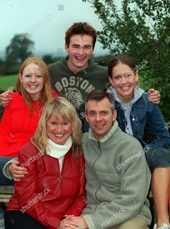 Picture Shows: Elspeth Brodie, Jason Hain, Ruth Abram, Dee Whitehead and Mark Jardine.