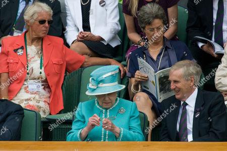 Queen Elizabeth II (Front row), Ann Haydon-Jones and Virginia Wade (back row)