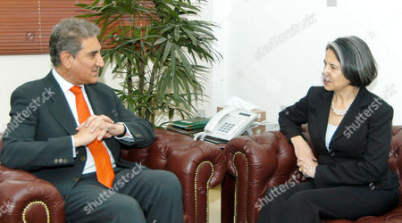 Minister for Foreign Affairs Makhdoom Shah Mehmood Qureshi and Maria Otero, United States Under Secretary of State for Democracy and Global Affairs, Foreign Office, Islamabad, Pakistan