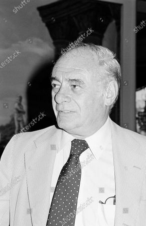 Stock Picture of UNITED STATES - SEPTEMBER 01:  Martin Balsam