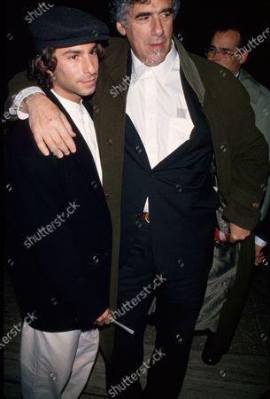 Actor Elliott Gould (R) and son Jason (L).