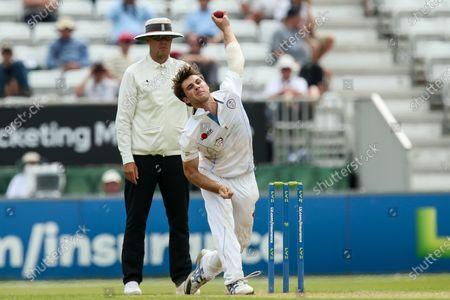 Michael Cohen of Derbyshire bowls