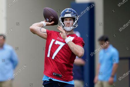 Tennessee Titans quarterback Ryan Tannehill throws during NFL football practice, in Nashville, Tenn