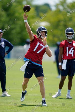 Tennessee Titans quarterback Ryan Tannehill (17) throws during an NFL football practice, in Nashville, Tenn