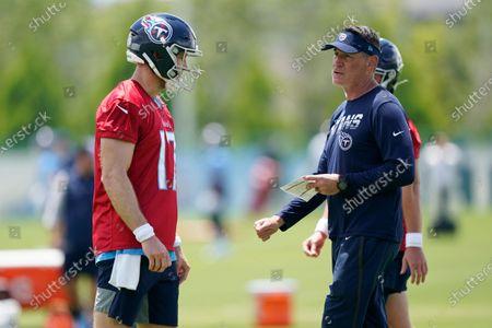 Tennessee Titans quarterback Ryan Tannehill (17) talks with quarterbacks coach Pat O'Hara during an NFL football practice, in Nashville, Tenn