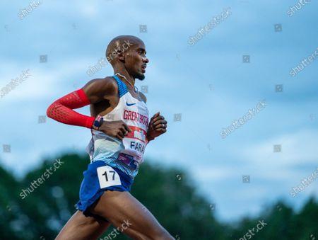 Mo Farah in the lead pack with 8 laps to go; Birmingham University Athletics Track, Birmingham, Midlands, England; European 10000 Metre Finals, British Olympic Trials 10000 Metre.