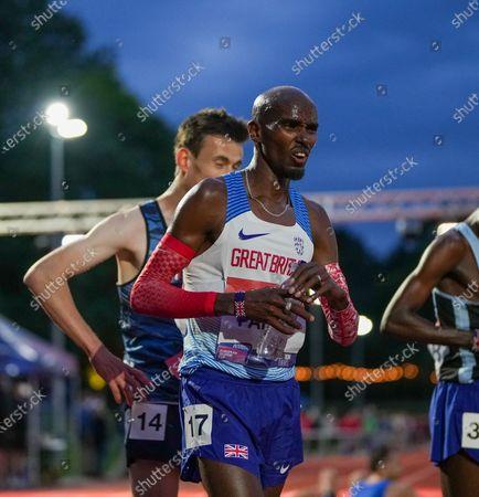 Mo Farah finish line anguish; Birmingham University Athletics Track, Birmingham, Midlands, England; European 10000 Metre Finals, British Olympic Trials 10000 Metre.