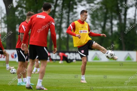 Polish national soccer team player Arkadiusz Milik (R) in action during a training session in Opalenica, Poland, 04 June 2021. Poland is preparing for the UEFA EURO 2020 tournament and will face Spain, Sweden and Slovakia in their Group E.