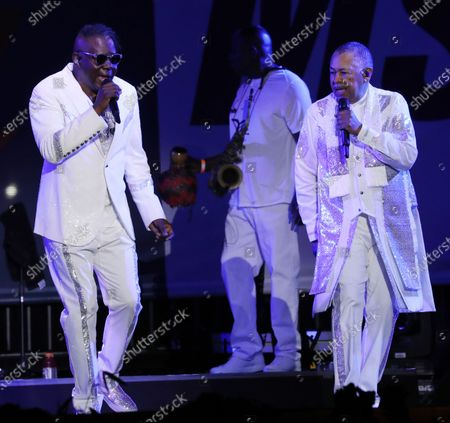 Ralph Johnson and Philip Bailey - Earth, Wind and Fire