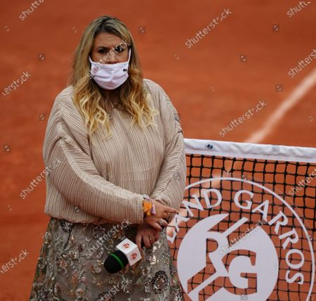 Marion Bartoli waiting for post game interview