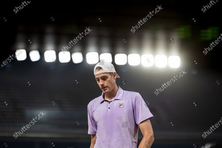 (210605) - PARIS, June 5, 2021 (Xinhua) - John Isner of the United States reacts during the men's singles third round match between Stefanos Tsitsipas of Greece and John Isner of the United States at the French Open tennis tournament at Roland Garros in Paris, France, June 4, 2021.