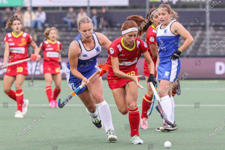 Sarah Robertson (L) of Scotland and Begona Garcia of Spain in action during the EuroHockey Championships 2021 Women Pool A match between Spain and Scotland at Wagener Stadium in Amstelveen, The Netherlands, 05 June 2021.