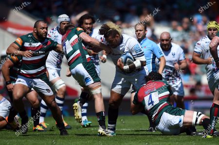 Nathan Hughes of Bristol Bears takes on the Leicester Tigers defence