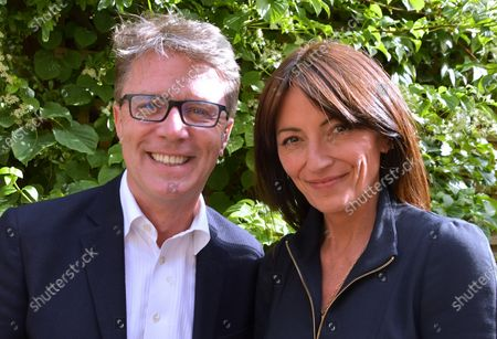 Features - Long Lost Family: Born Without Trace - Nicky Campbell and Davina McCall